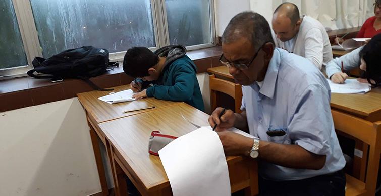 La Dirección Sectorial de Jóvenes y Adultos (DSJA) de la Administración Nacional de Educación Pública (ANEP) culminólas pruebas de acreditación de Educación Primaria en todo el país. En este caso, contamos el caso específico de la zona comprendida en el oeste de Canelones, donde 52 estudiantes acreditaron primaria completa.