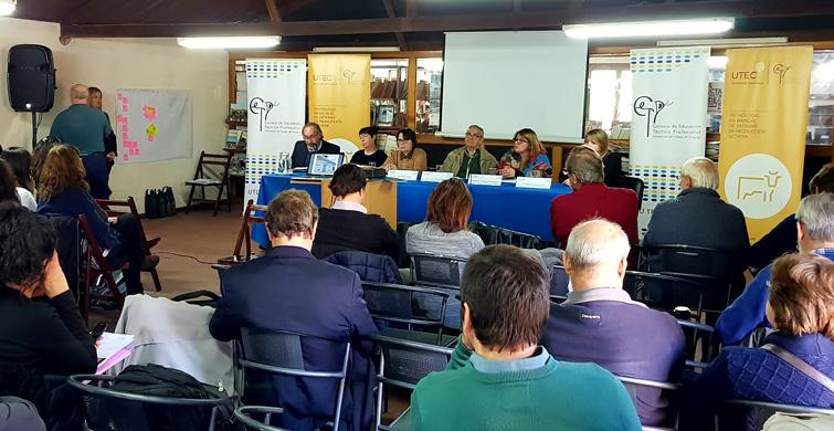 """Expertos convocados por la UTU debatieron acerca de """"Agroalimentos y cadena láctea"""""""