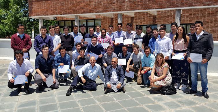 Egresó primera generación de 28 técnicos especializados en gestión y operación de redes eléctricas