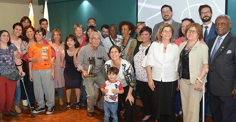 Red de Escuelas Inclusivas de Primaria recibió Premio Mandela, por su aporte a la integración