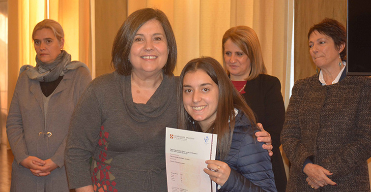 La ANEP entregó certificados de acreditación en Inglés y Francés a más de 200 estudiantes