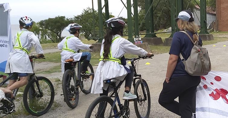 Estudiantes de Colonia aprenden sobre seguridad vial