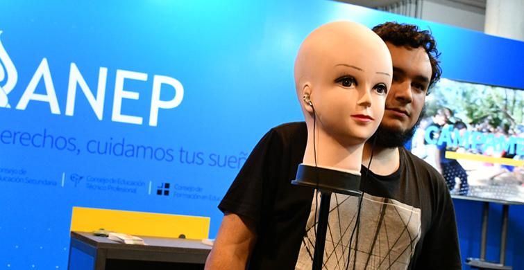 Ciencia, tecnología e innovación presentes en el stand de la ANEP instalado en el Antel Arena