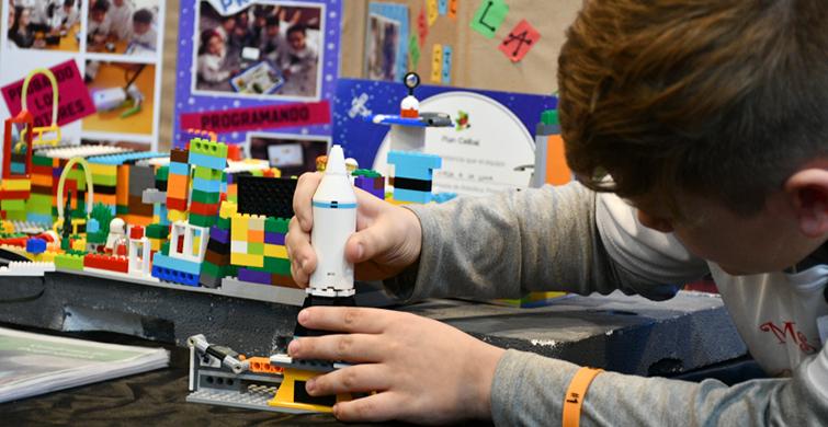 """""""Misión Luna"""" y """"Creando una escuela accesible"""" en la Expo Innovación"""