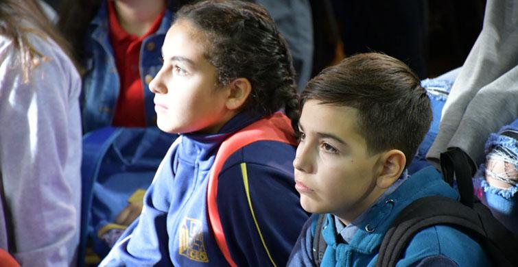 En el Liceo 54 la comunidad recibió a los nuevos estudiantes de primero