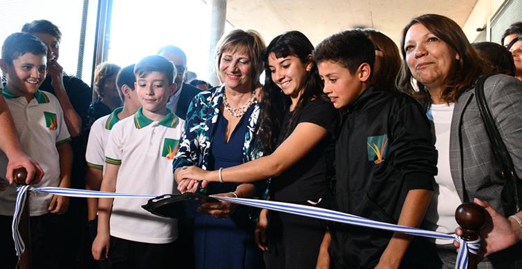Los vecinos de Empalme Olmos, en Canelones, cumplieron el sueño del nuevo Liceo
