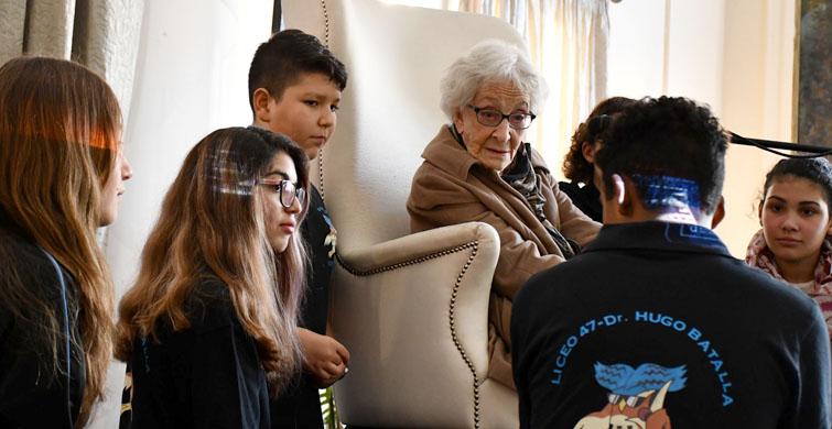 Liceales del oeste de Montevideo celebraron el Día del Libro y conocieron a Ida Vitale