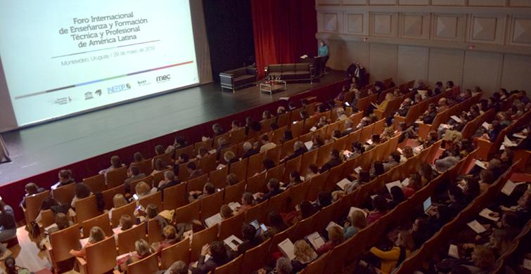 Especialistas y educadores reflexionan sobre la enseñanza técnica en América Latina