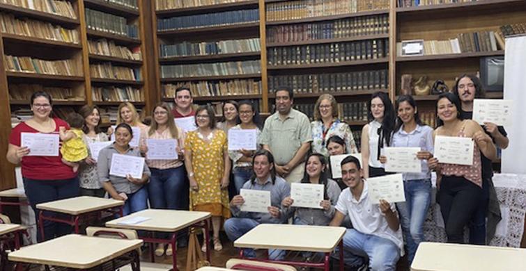 Estudiantes del Liceo N° 1 del turno nocturno enRivera recibieron diplomas de portugués