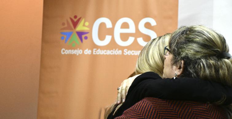 Educación secundaria para jóvenes y adultos en todo el país