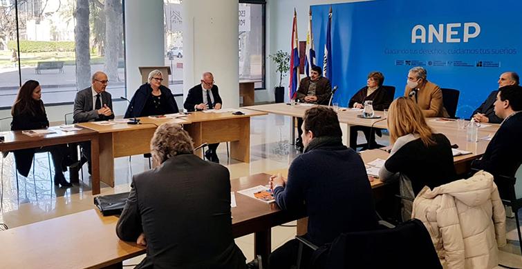 ANEP ratifica compromiso con la enseñanza del francés en la Escuela Pública