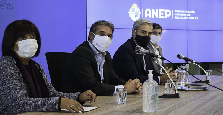 ANEP recibió donación de 23.000 mascarillas para maestros de todo el país