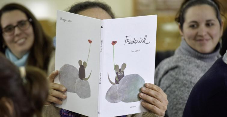 """""""Miradas lectoras"""" en el DíaNacional de Libro"""