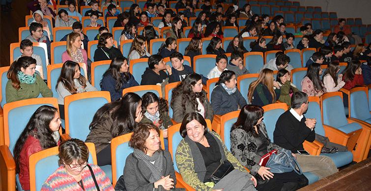 Dos mil doscientos alumnos de Primaria fueron acreditados en Inglés por Cambridge