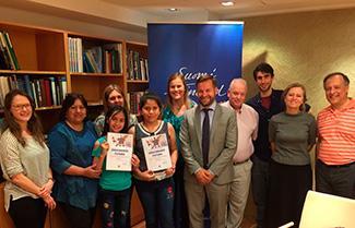 Dos alumnas de la Escuela República de Finlandia de Fray Bentos obtuvieron primer premio en concurso de escritura